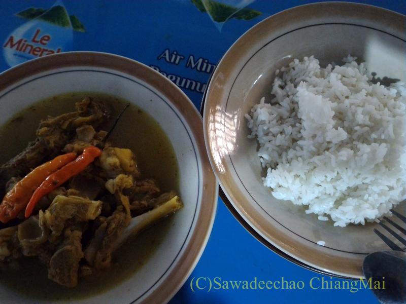 インドネシアのソロ(スラカルタ)にあるテンクレン食堂の料理概観