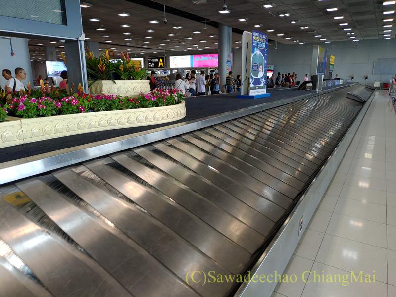 バンコク・スワンナプーム空港国内線ターミナルの荷物受け取りベルト