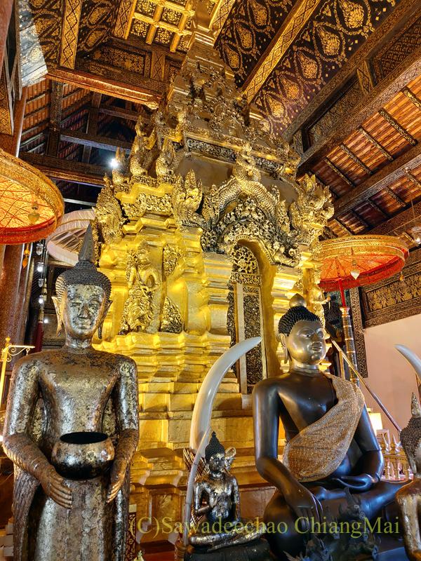チェンマイ郊外にある寺院ワットプラタートシーチョムトーンの仏舎利塔