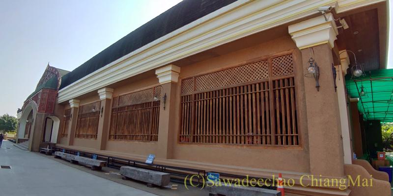 チェンマイ郊外にある寺院ワットプラタートシーチョムトーンの瞑想道場