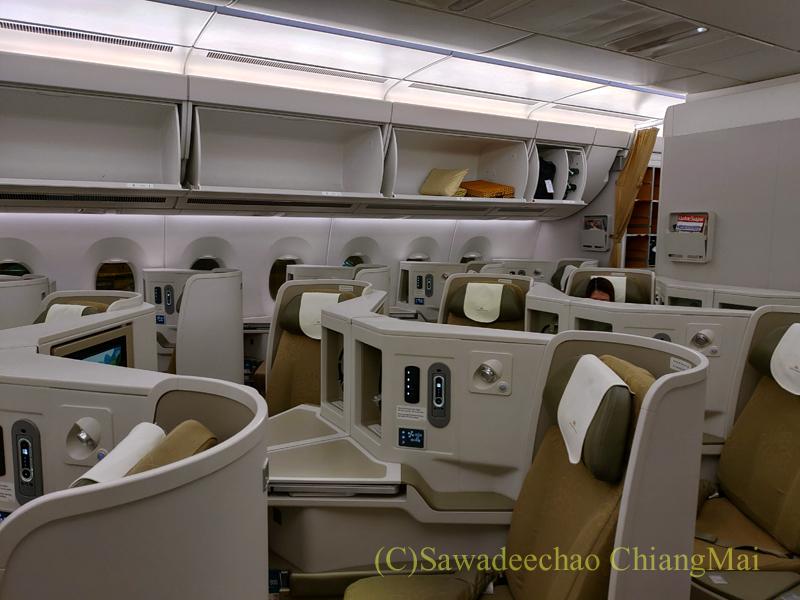 ベトナム航空VN300便成田行きビジネスクラスの機内
