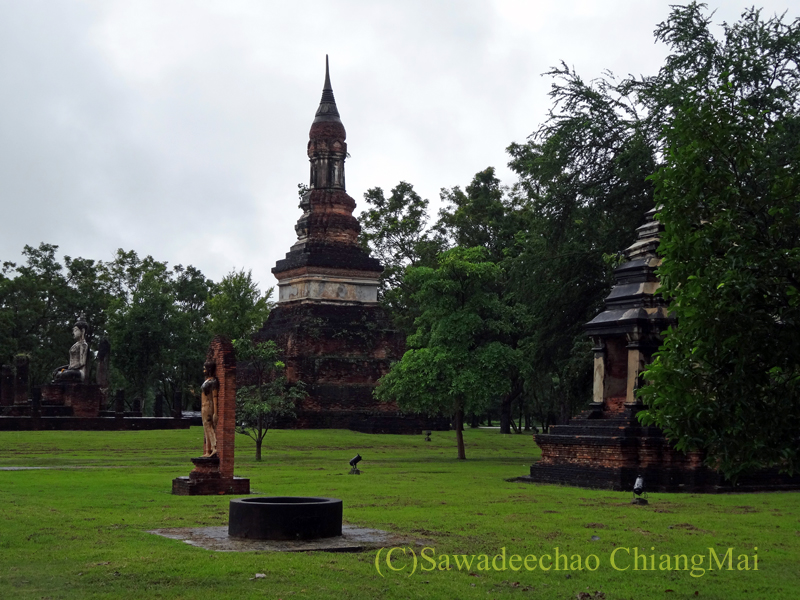 タイのスコータイ遺跡のワットトラパンングン