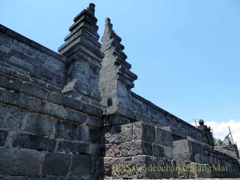 インドネシアのジャワ島にあるヒンドゥー遺跡、チュト寺院