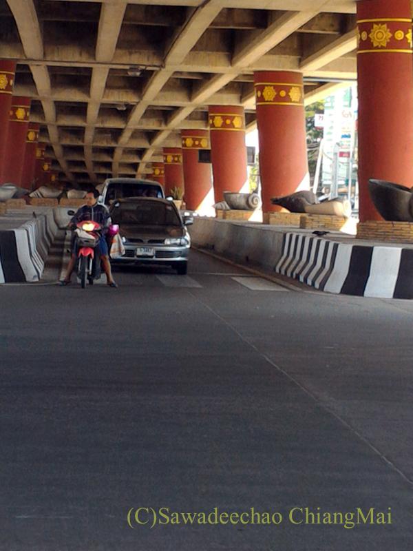 チェンマイ市内中心部にある立体交差点