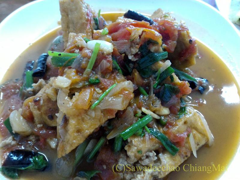 チェンマイにある雲南&台湾料理のフアリンレストランの烩豆腐