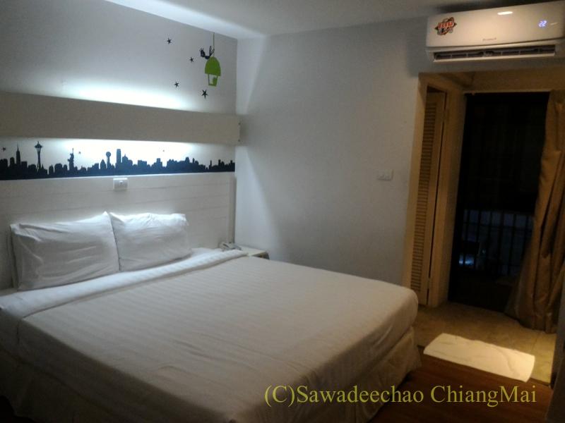 バンコクのスワンナプーム空港の近くにあるフェニックスホテル