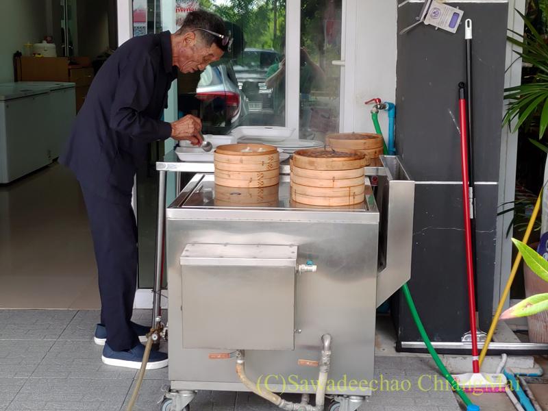 チェンマイにある雲南&台湾料理のフアリンレストランの小籠湯包の蒸し器
