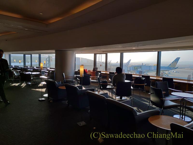 成田空港のデルタ航空ラウンジ「デルタスカイクラブ」概観