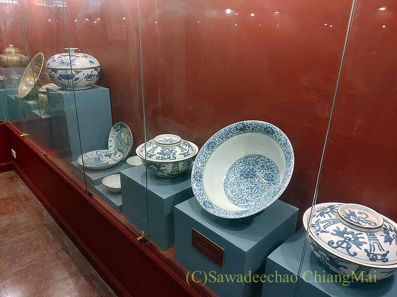 チェンマイ郊外の寺院ワットプラタートシーチョムトーンの博物館の陶器