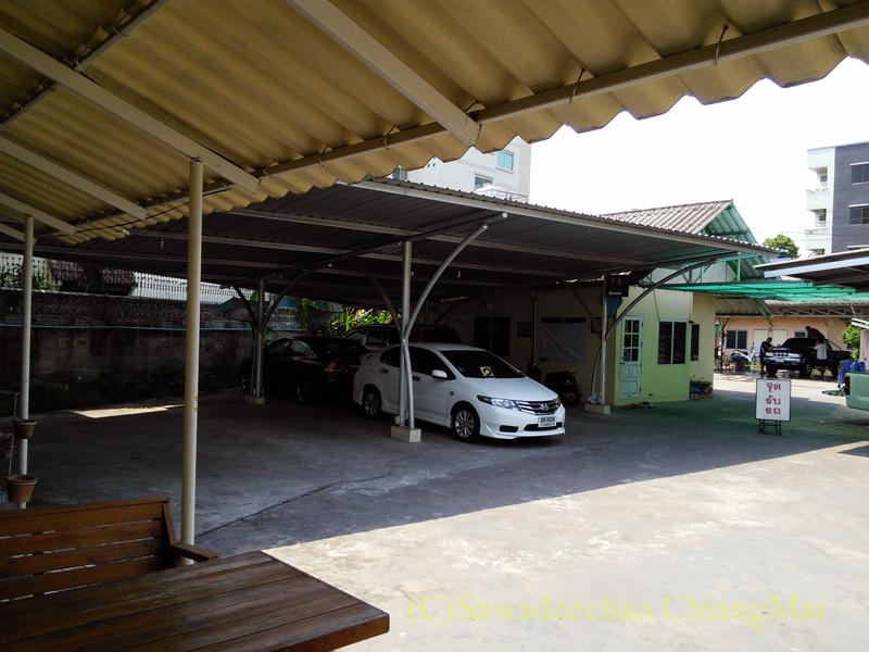 チェンマイ市内にある洗車屋