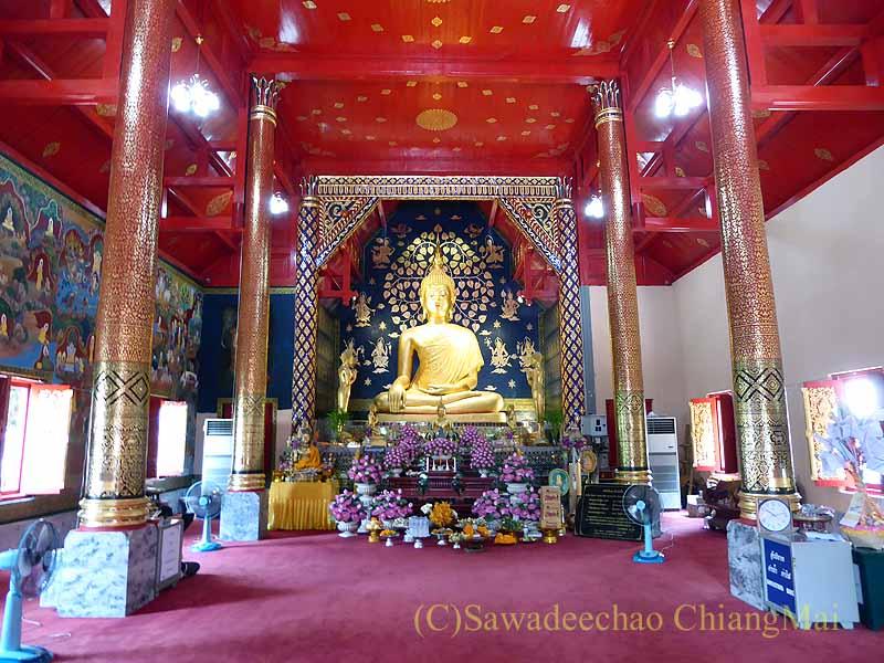 チェンマイで一番美しい仏像、プラチャオガオトゥー