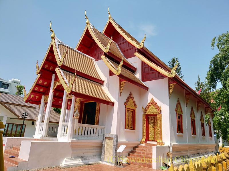 チェンマイで一番美しいと言われる仏像、プラチャオガオトゥーが鎮座する堂