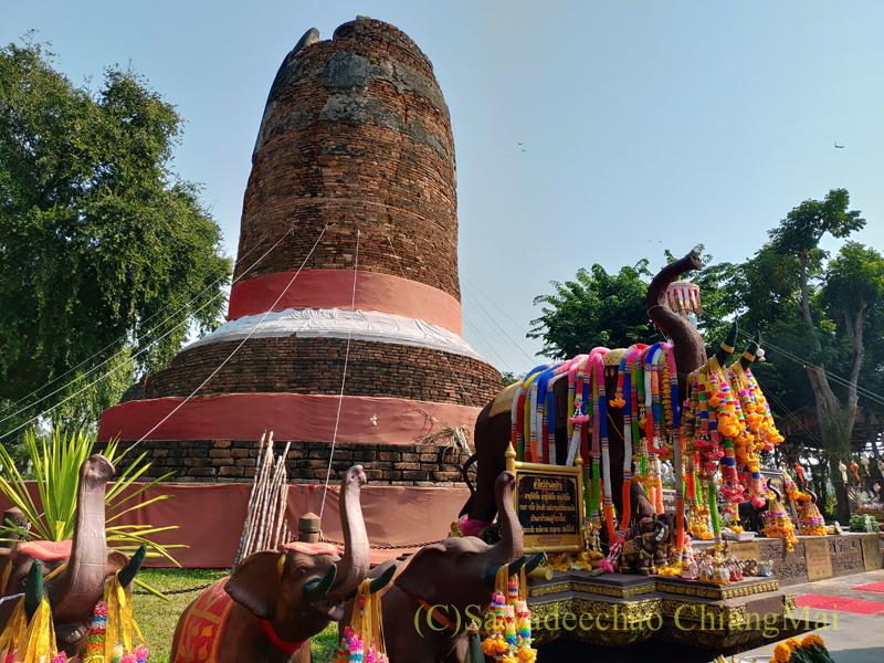 ラムプーンにある戦死した王家の象の墓塔クーチャーン概観