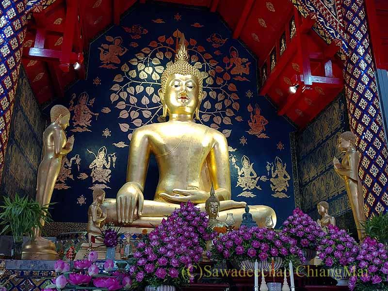 チェンマイで一番美しい仏像、プラチャオガオトゥーの接地印