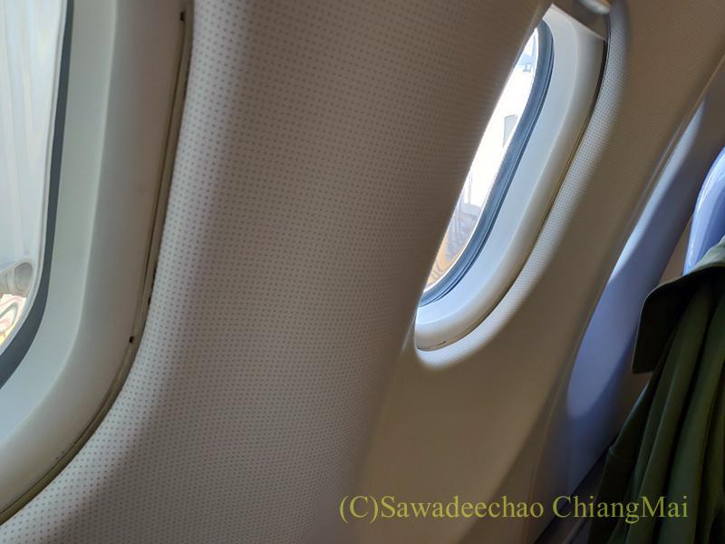 タイ国際航空TG104便チェンマイ行きのビジネスクラスの機内