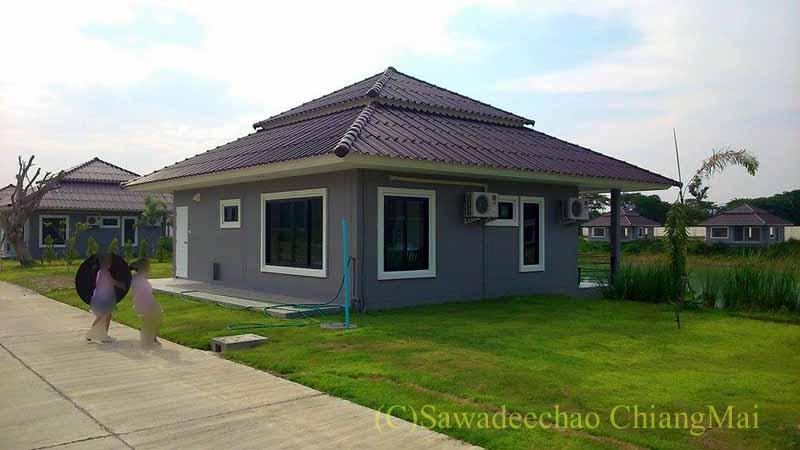 チェンマイ北西部郊外にあるリゾート風一戸建て貸家