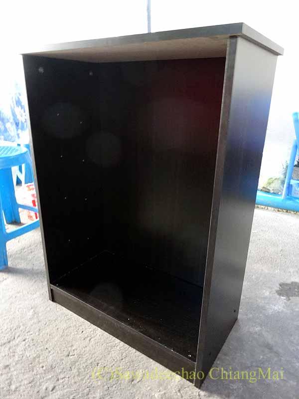 チェンマイで購入した組み立て式シューズボックスの本体部分