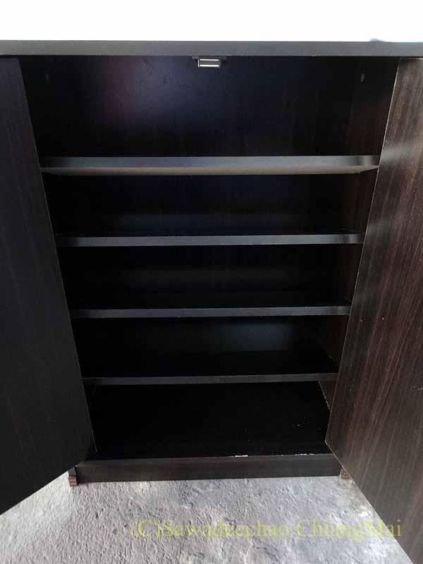 チェンマイで購入した組み立て式シューズボックスの棚板