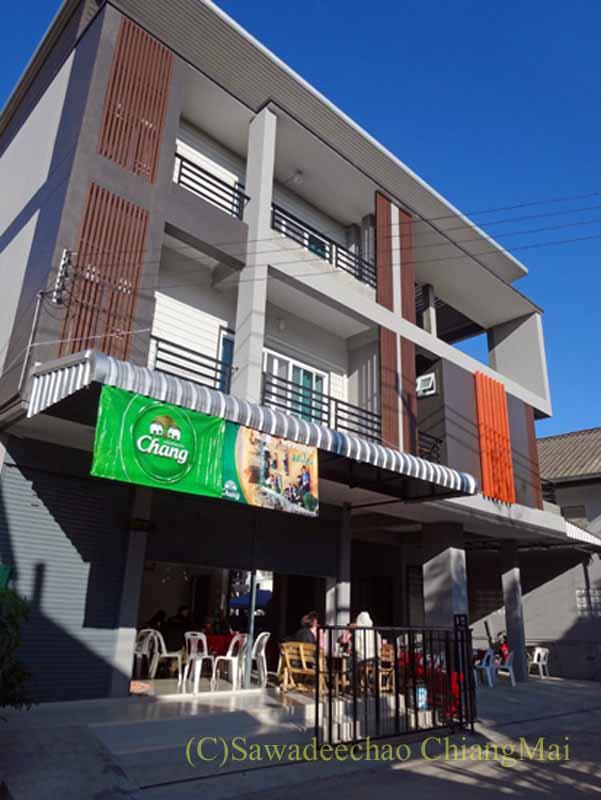 チェンマイの知り合いが新築した3階建ての家