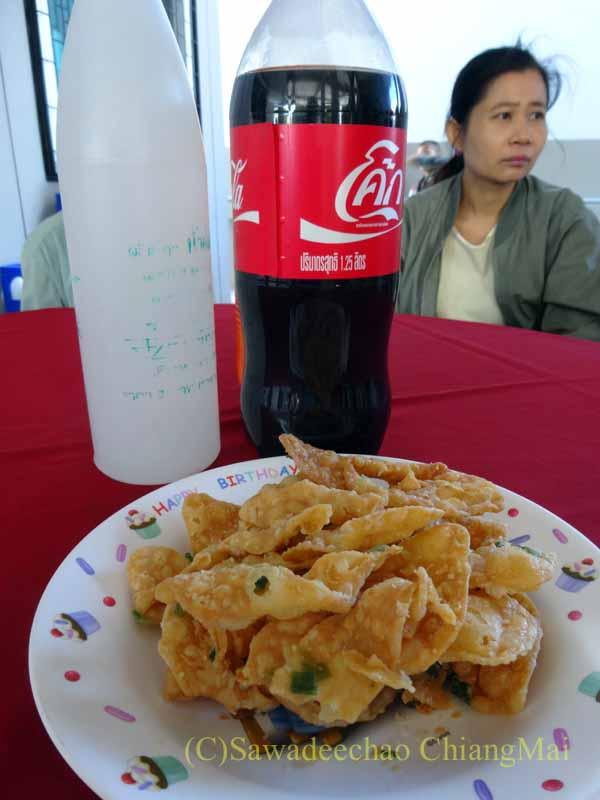 チェンマイのタイ人の知り合いの家の新築祝いで出されたおつまみ