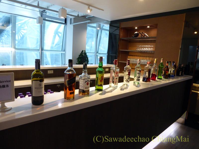 スワンナプーム空港にあるミラクルファーストクラスラウンジの酒類