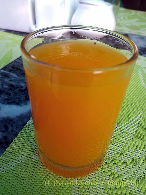 ネパールの首都カトマンズのおすすめ宿アスターホテルの朝食のジュース