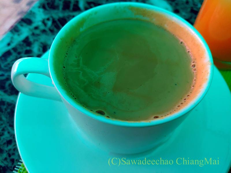 ネパールの首都カトマンズのおすすめ宿アスターホテルの朝食のチャイ