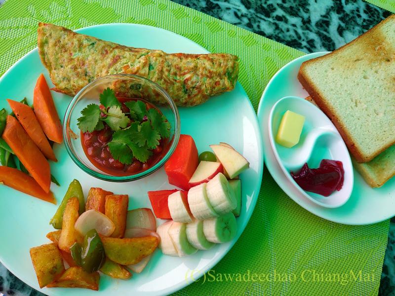 ネパールの首都カトマンズのおすすめ宿アスターホテルのオムレツ朝食