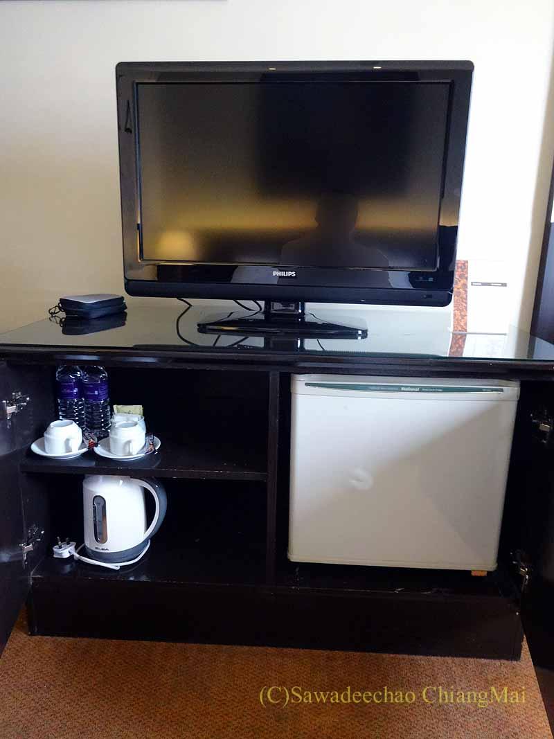 クアラルンプールにあるアンカサホテルの客室のテレビ