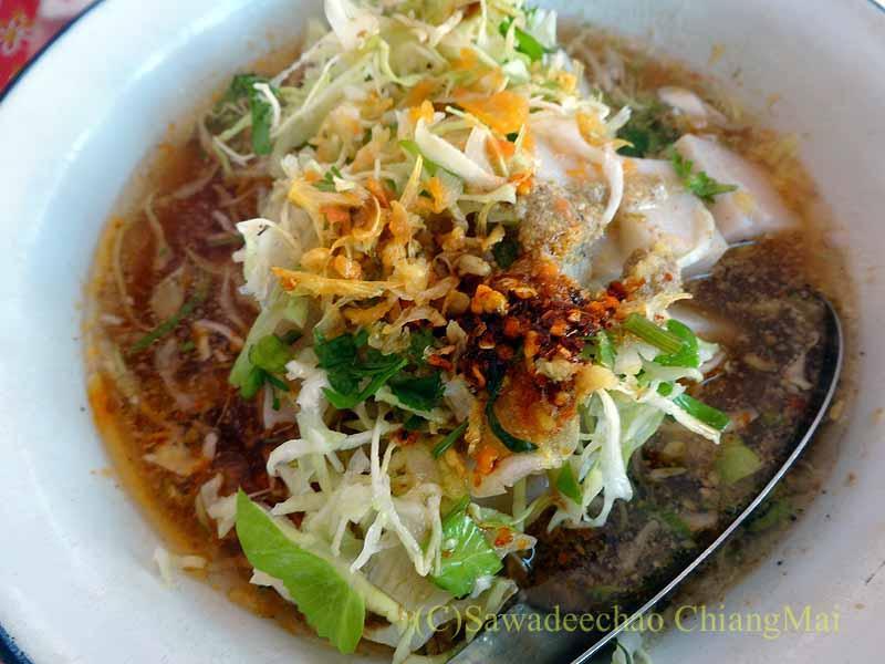 ミャンマーのタチレクあるシャン族料理食堂のカーオフンカーオ