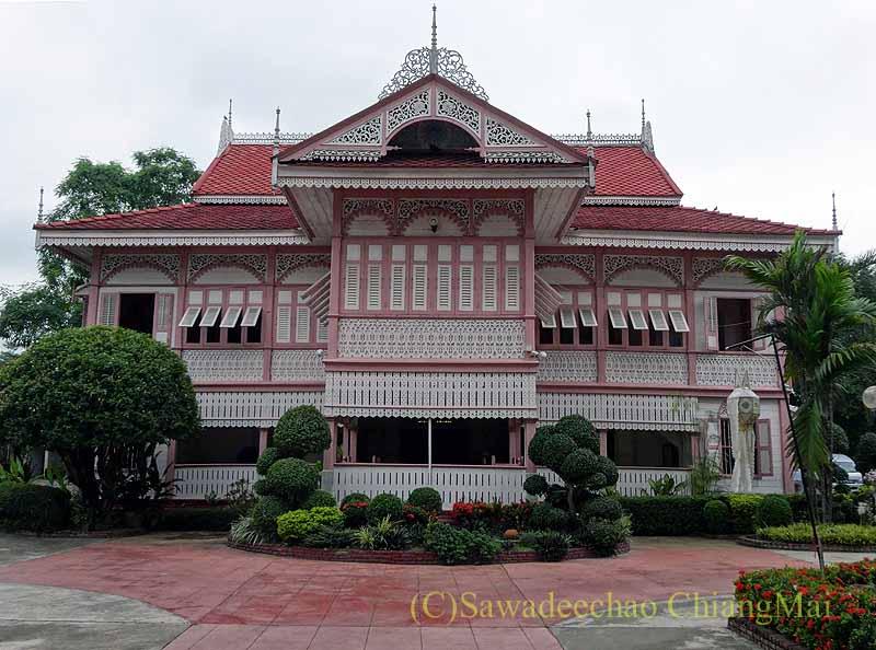 タイのプレーの街最後の支配者の第一夫人の住居ウォンブリーハウス全景