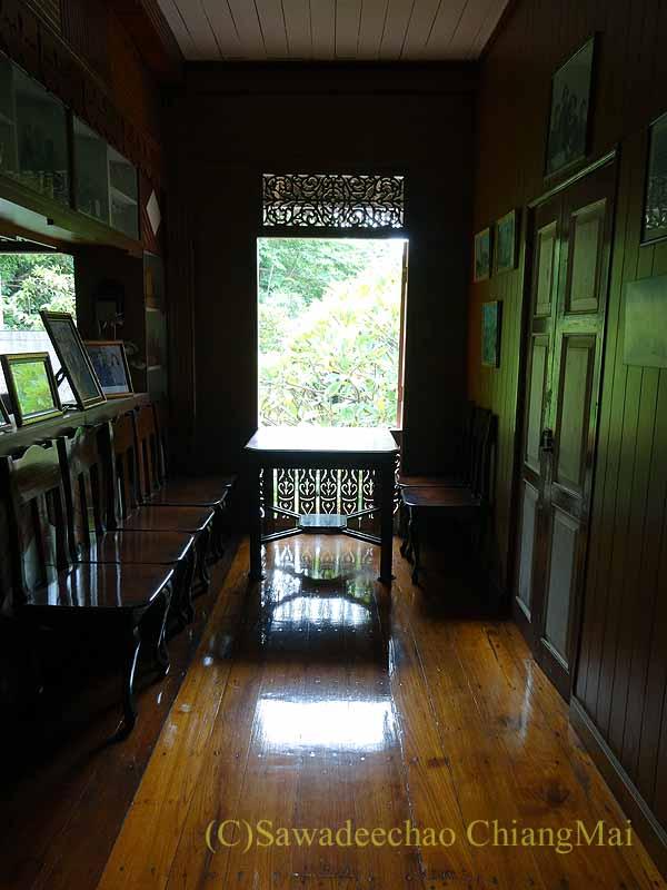 タイのプレーの街最後の支配者の第一夫人の住居ウォンブリーハウスの事務スペース