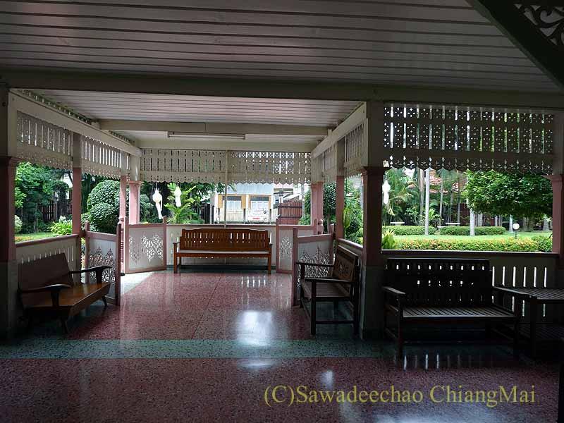タイのプレーの街最後の支配者の第一夫人の住居ウォンブリーハウスの入口