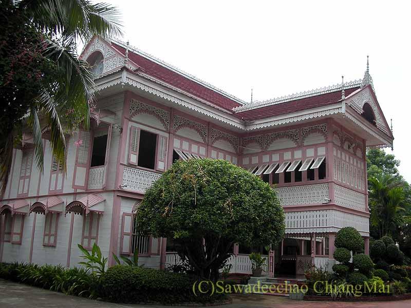 タイのプレーの街最後の支配者の第一夫人の住居ウォンブリーハウス