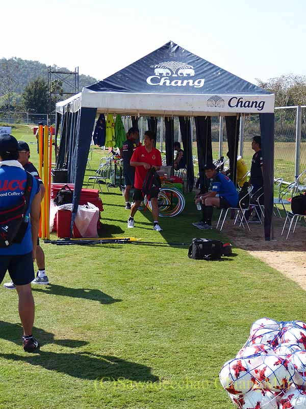 チェンマイでのサッカーJ2名古屋グランパスのキャンプのテント