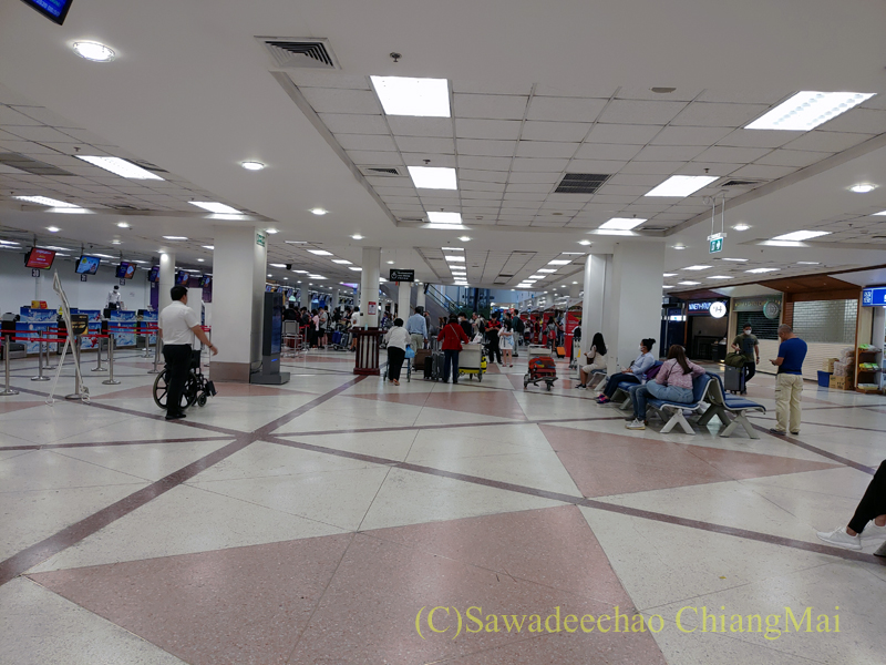 チェンマイ国際空港の国内線出発ロビー