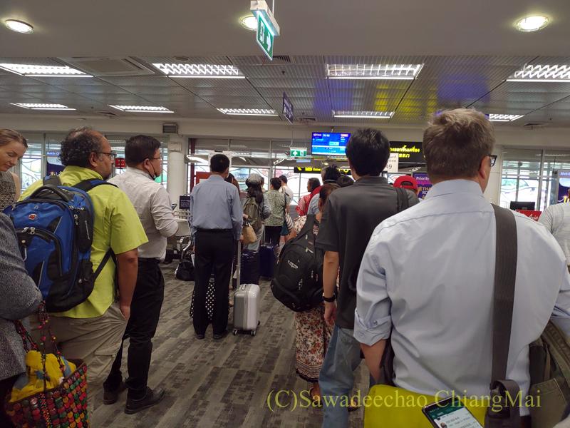 チェンマイ国際空港の国内線ターミナルのTG搭乗ゲート