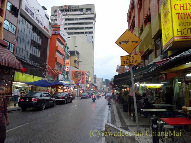 マレーシアのクアラルンプールのチャイナタウンの街並み概観