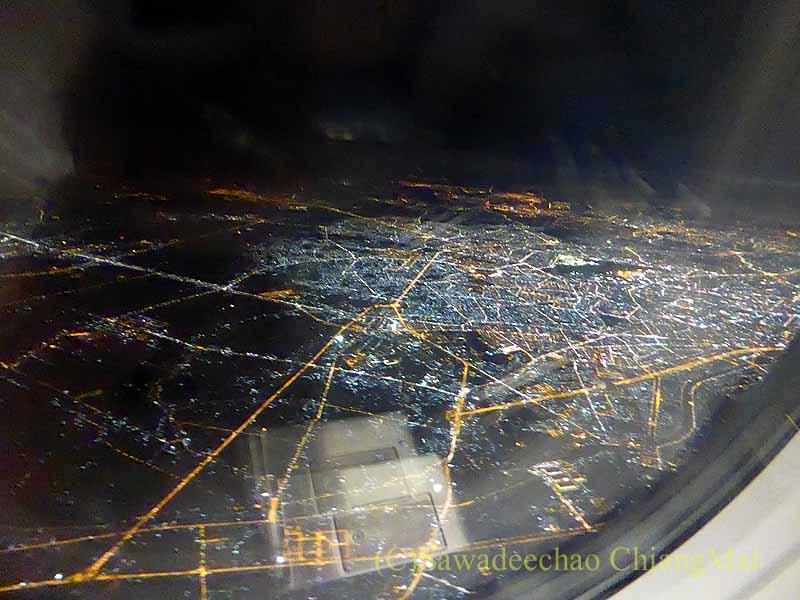 ベトナム航空VN603便の機内から見たホーチミンシティの夜景