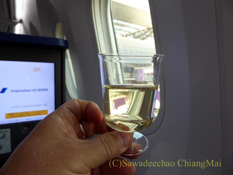 ANA全日空NH878便のビジネスクラスで出たウエルカムドリンク