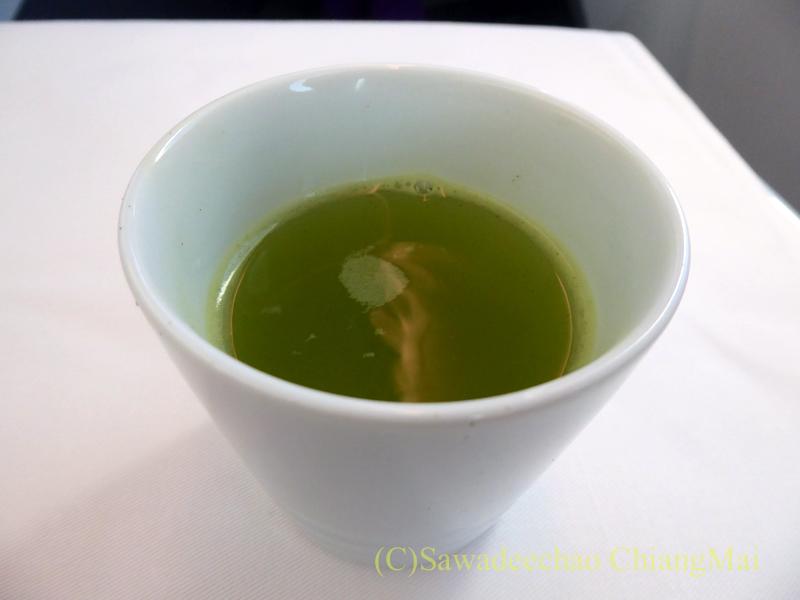 ANA全日空NH878便のビジネスクラスで出た日本茶