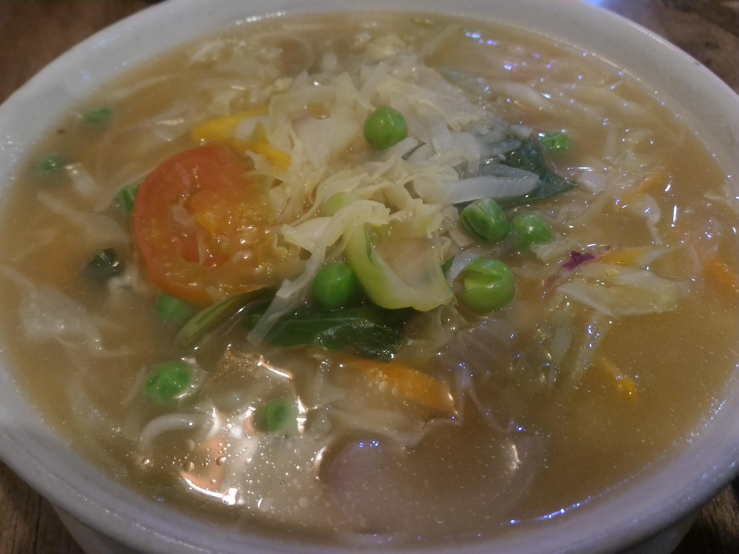 カトマンズにあるチベット料理レストラン、ギリンツェのベジタブルトゥクパ