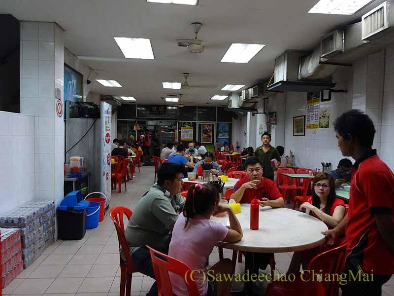 クアラルンプールのある麺類の人気店、頌記牛肉丸粉の店内