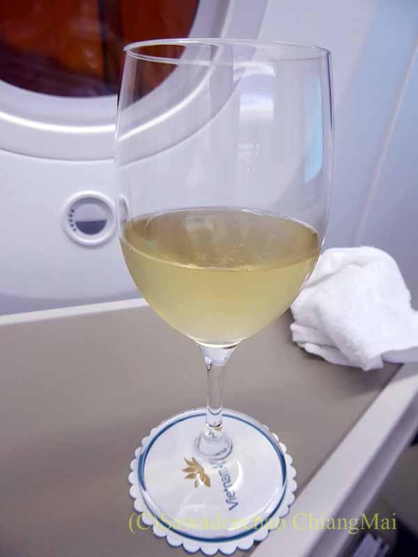 ベトナム航空VN300便成田行きのビジネスクラスで出たシャンパン