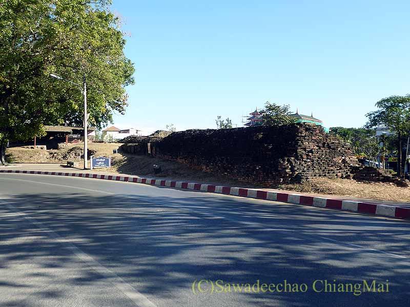 チェンマイの旧市街お濠沿い北東角のシープーム堡塁