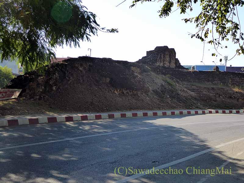 チェンマイの旧市街お濠沿い北東角のカタム堡塁