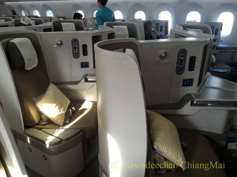 ベトナム航空VN301便ホーチミン行きのビジネスクラスのキャビン