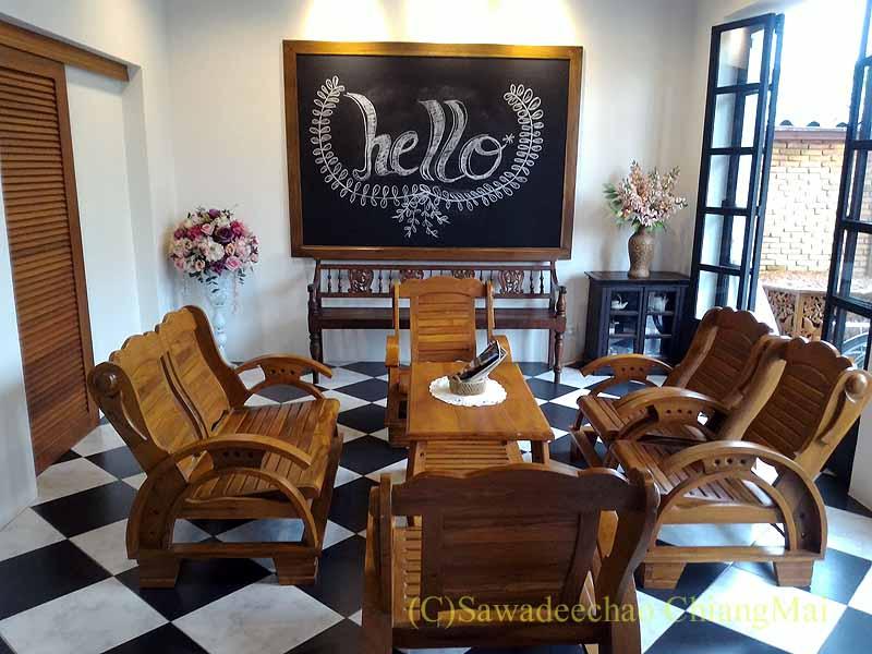 タイ北部の街ナーンにあるプーミンプレイスホテルのロビー
