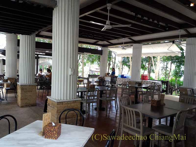 チェンマイのレストラン、ロイヤルプロジェクトキッチンの2階概観
