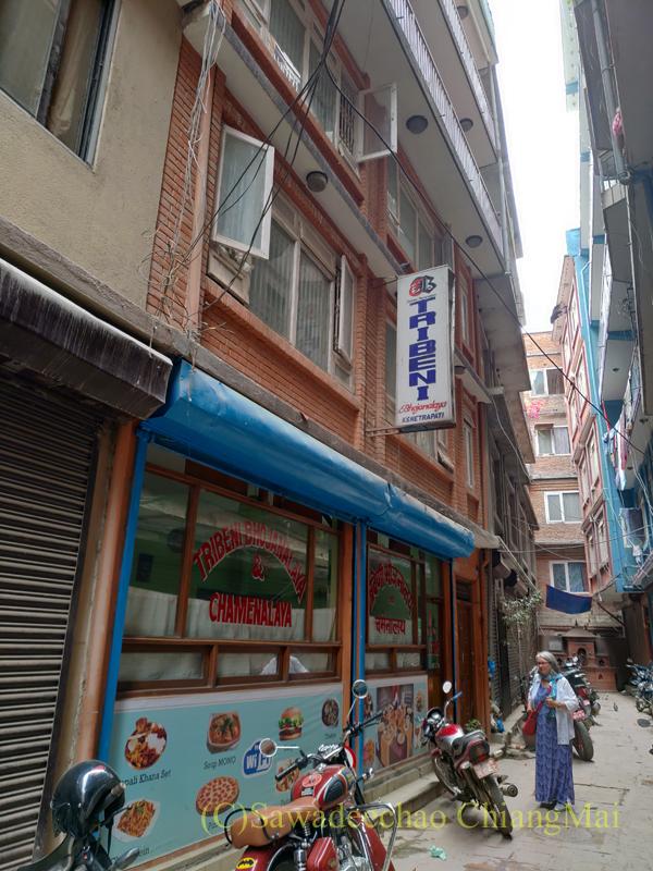 ネパールのカトマンズにあるダルバート食堂トリベニ概観